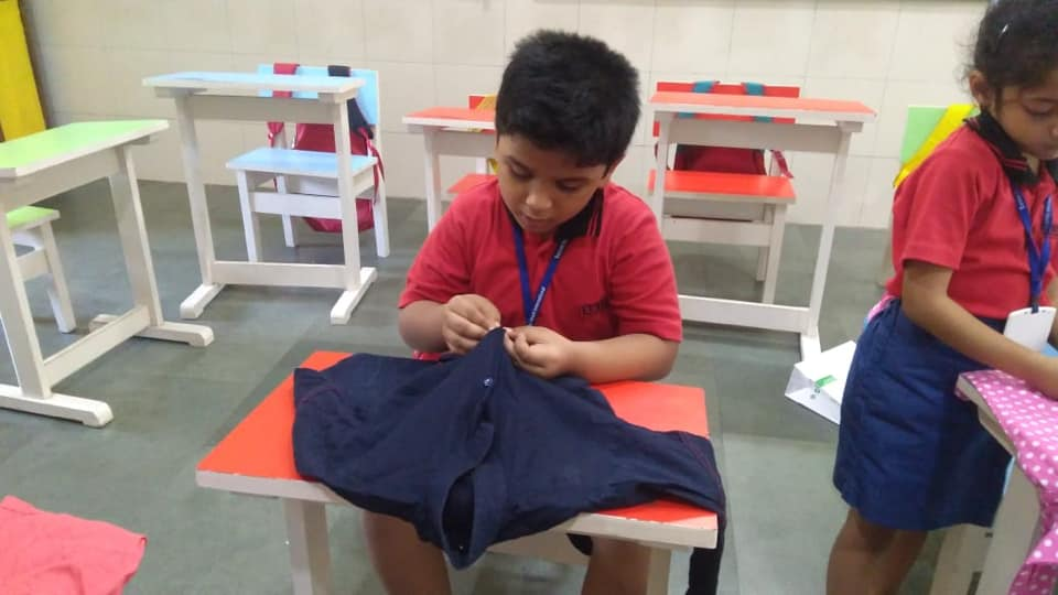 K2 – Life Skills – Buttoning a shirt
